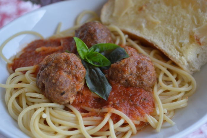 Homemade Pasta Sauce with Meatballs